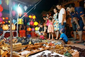 Experience in the night market